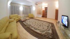 Сдаю посуточно 2-к квартиру в центре Киева, Своя, без комиссий