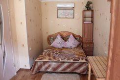 Сдам уютный коттедж посуточно в частном секторе возле гост. Ореанда